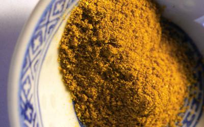 Asafoetida Pulver ein sehr guter Ersatz für Zwiebel und Knoblauch Geschmack aber LOW Fodmap